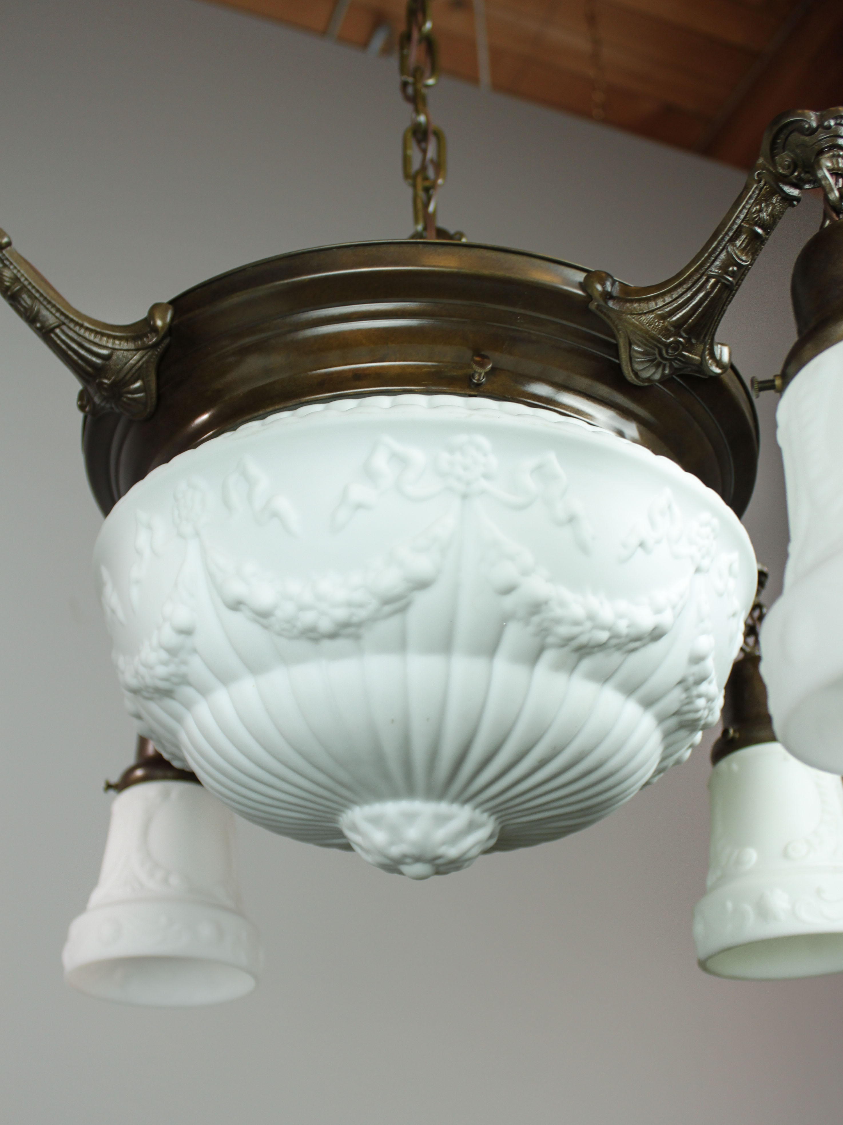 Antique Pan Light Fixture with Milk Glass (4+1 Light) Renew Gallery