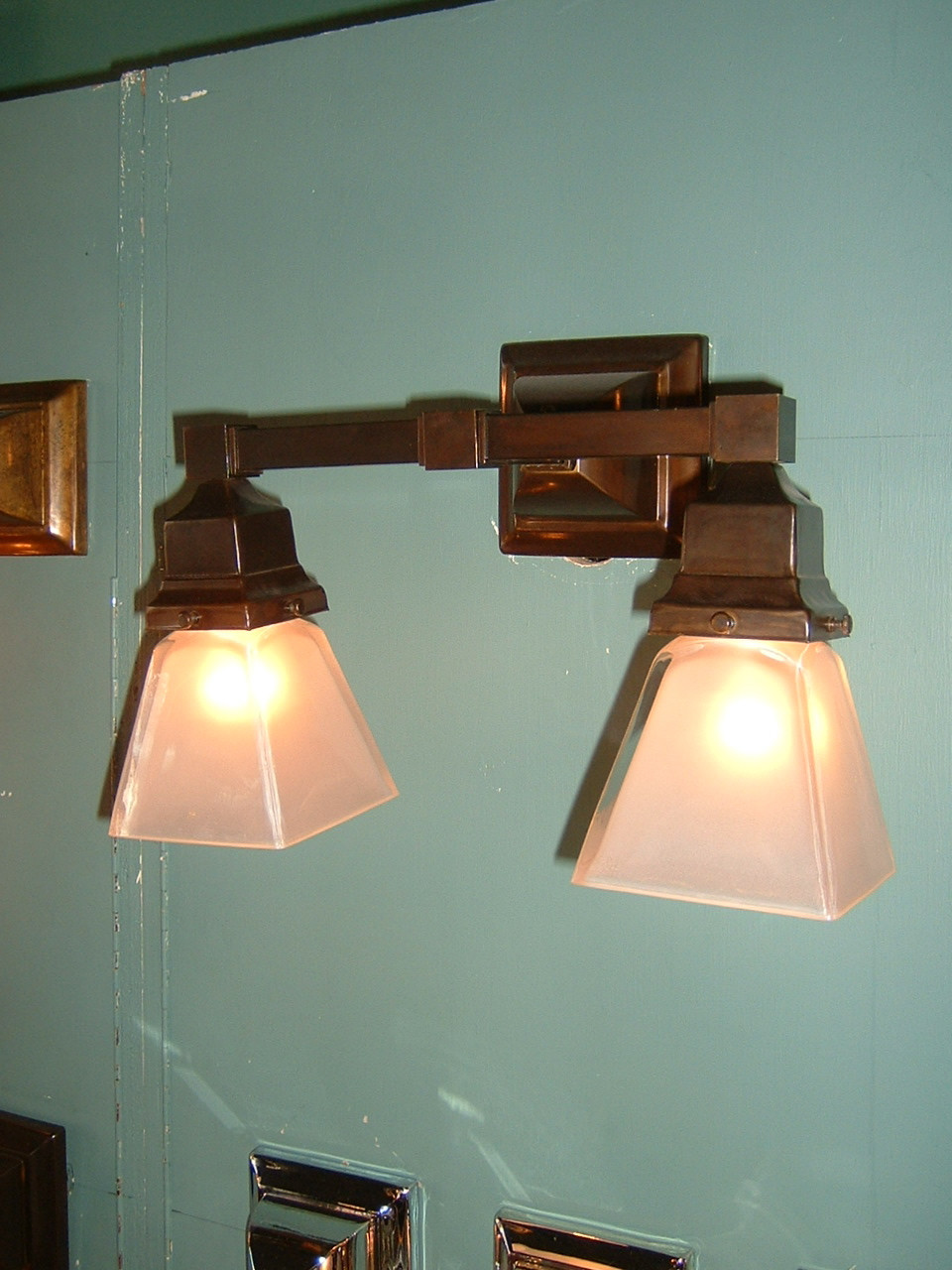 Arts & Crafts Double Mission Wall Sconce |