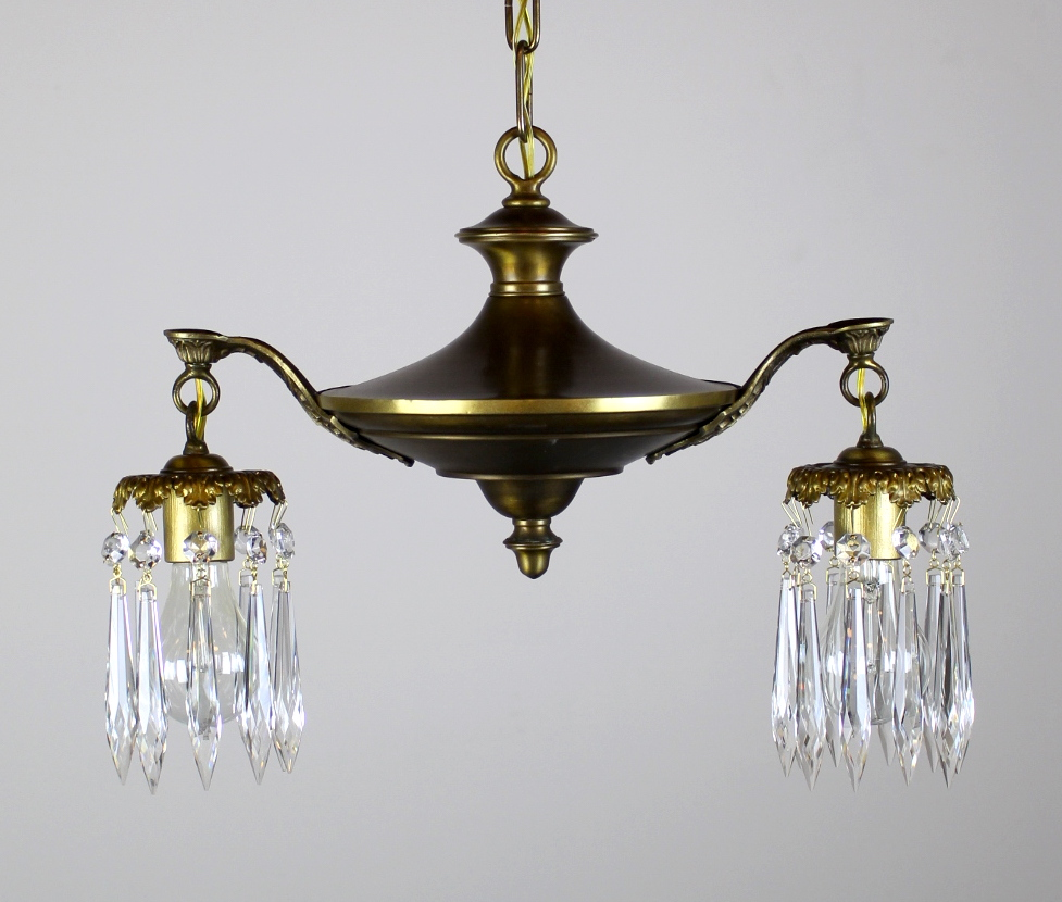 2 light pan fixture fitted with crystals